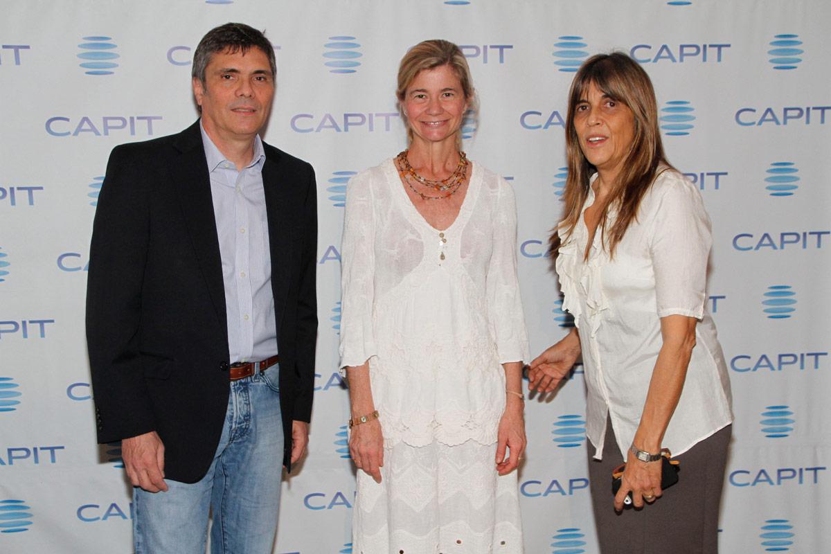 Alejandro Borensztein, presidente de CAPIT, junto a Virginia Mouseler y Celina Amadeo